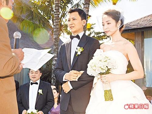 """""""Phát hờn"""" hội mỹ nhân nức tiếng Cbiz đã đẹp lại lấy chồng giàu sụ - 13"""