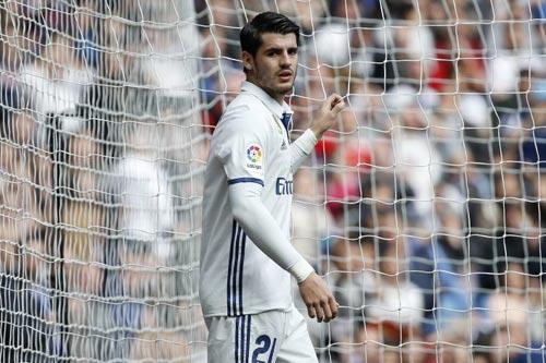"""Ghế dự bị: Real Madrid """"dát vàng"""", Barca """"hoen rỉ"""" - 1"""