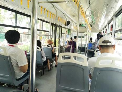 Tranh cãi cho buýt thường đi vào làn buýt nhanh - 1