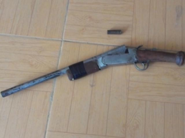 Cán bộ xã nổ 2 phát súng giải quyết mâu thuẫn đất đai