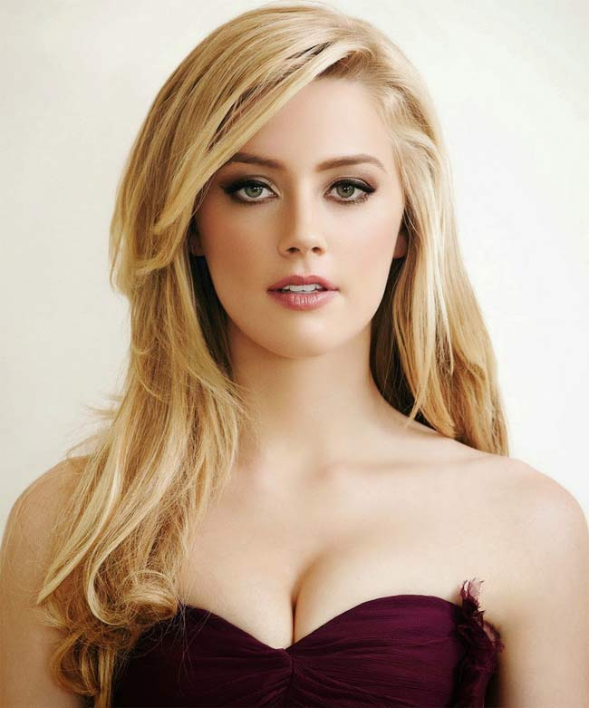 """Amber Heard giờ đây được gọi là """"đệ nhất đào mỏ""""."""