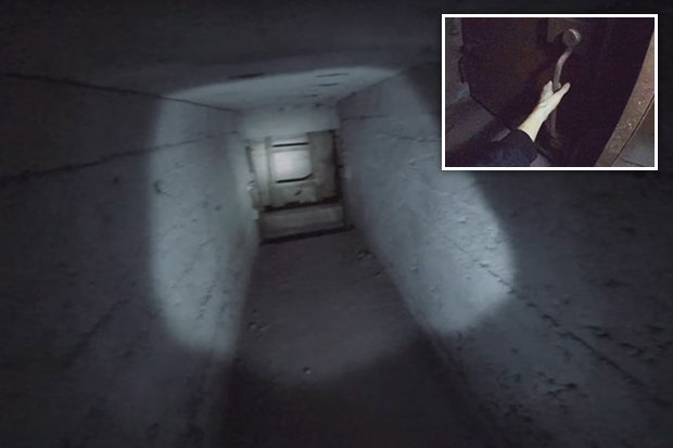 Video: Khám phá nhà máy bỏ hoang, phát hiện bí mật rợn người - 1