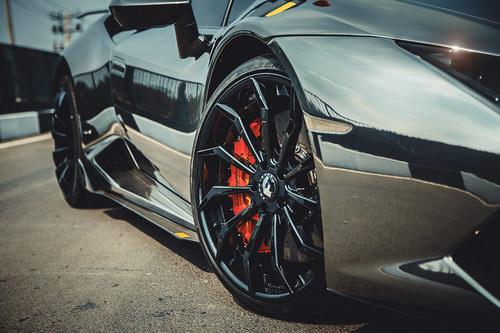 Lamborghini Huracan lên mâm Forgiato 240 triệu đồng ở Việt Nam - 3