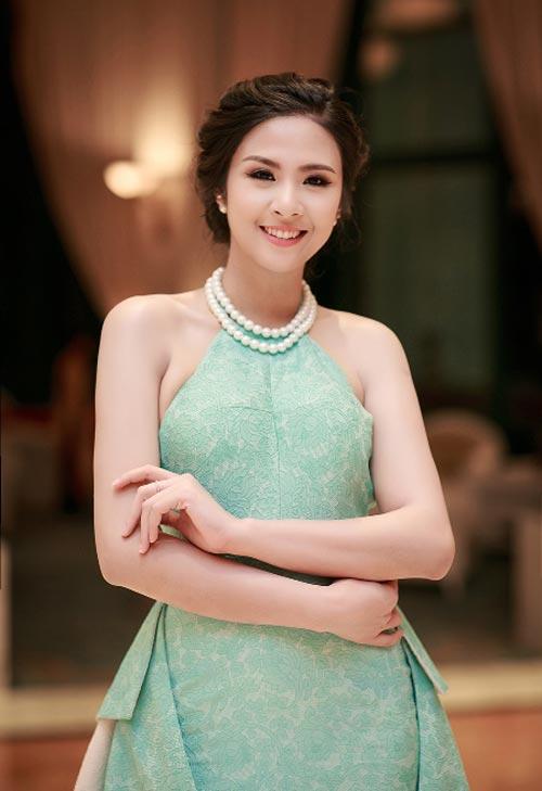 """Phạm Hương, Mai Phương Thúy hết """"đen nhẻm"""" từ khi nào? - 6"""