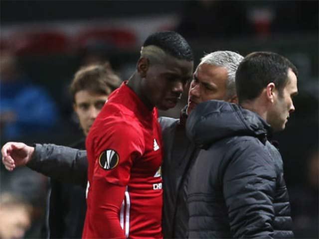MU đua top 4: Buông thật, hay Mourinho tung hỏa mù?