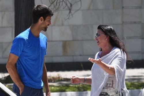 Djokovic đâm xe, đuổi HLV: Rối tinh thần, đã chán tennis? - 2
