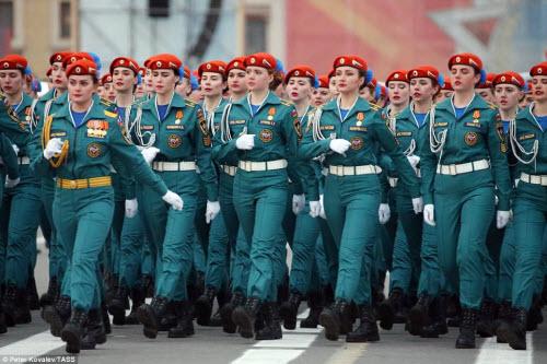 Xem quân đội Nga rầm rập luyện tập chuẩn bị duyệt binh - 2