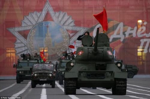 Xem quân đội Nga rầm rập luyện tập chuẩn bị duyệt binh - 5