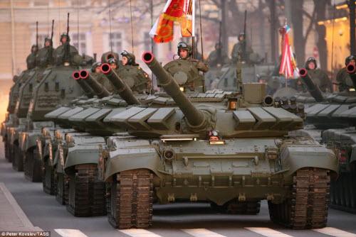 Xem quân đội Nga rầm rập luyện tập chuẩn bị duyệt binh - 6