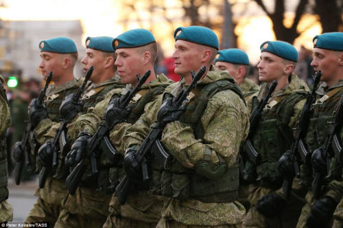 Xem quân đội Nga rầm rập luyện tập chuẩn bị duyệt binh - 7