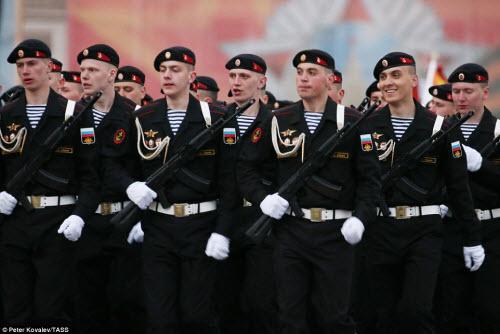 Xem quân đội Nga rầm rập luyện tập chuẩn bị duyệt binh - 8