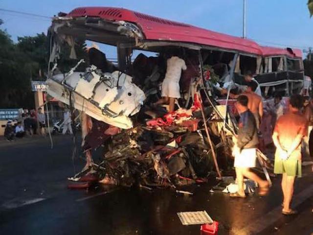 Ảnh: Hiện trường vụ tai nạn thảm khốc ở Gia Lai