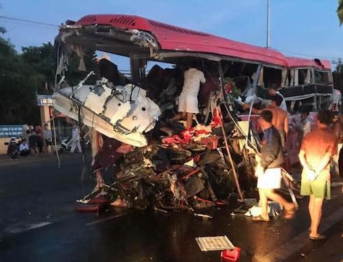 Ảnh: Hiện trường vụ tai nạn thảm khốc ở Gia Lai - 1