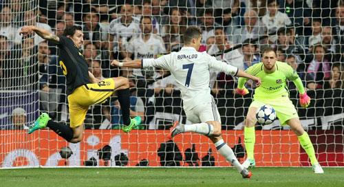 """Ghi tới 9 bàn sau 5 trận: Ronaldo """"tu luyện đắc đạo"""" - 2"""