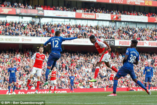 "Đại chiến Arsenal - MU: Wenger thoát ""lời nguyền"" Mourinho - 9"