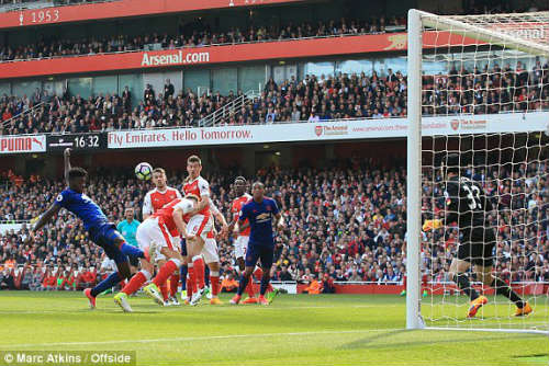 "Đại chiến Arsenal - MU: Wenger thoát ""lời nguyền"" Mourinho - 7"