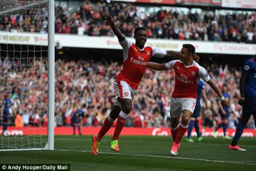 "Đại chiến Arsenal - MU: Wenger thoát ""lời nguyền"" Mourinho - 10"