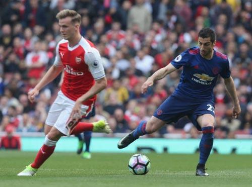 Góc chiến thuật Arsenal – MU: Mkhitaryan đá... hậu vệ biên - 2