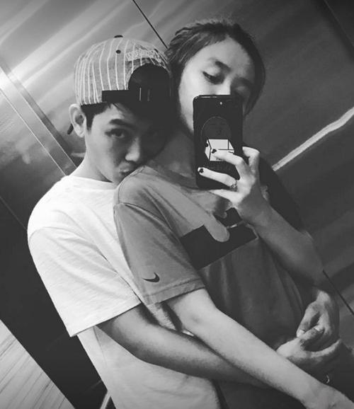 """Hoài Lâm quá tình tứ với bạn gái 9X khiến fan """"phát hờn"""" - 1"""