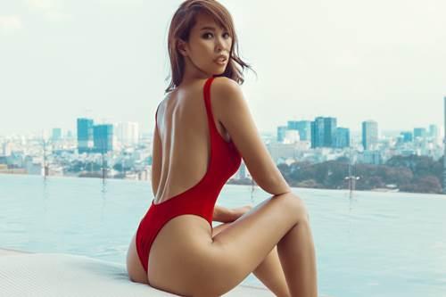 """Hà Anh diện áo tắm 2 mảnh đỏ rực tựa """"nữ thần"""" - 2"""
