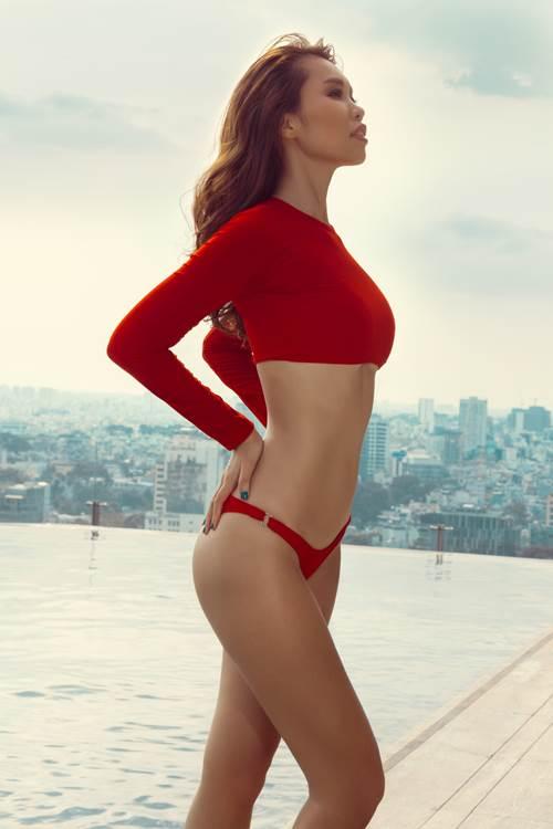 """Hà Anh diện áo tắm 2 mảnh đỏ rực tựa """"nữ thần"""" - 4"""