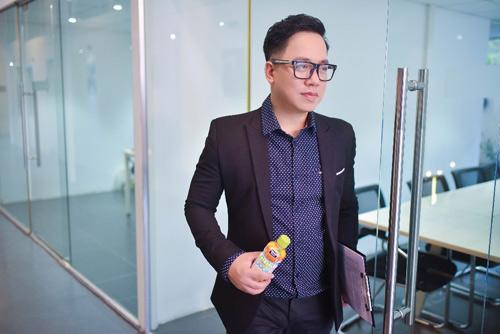 """Video về MC Tùng Leo vừa ra mắt đã gây """"bão mạng"""" - 1"""