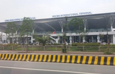 Cháy tủ điện ở sân bay Nội Bài - 1