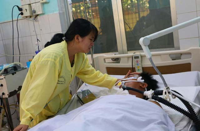Tai nạn ở Gia Lai: Vợ lái xe tải mong gia đình các nạn nhân tha thứ - 1