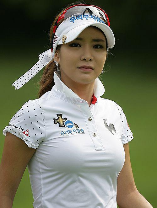 """Golf 24/7: """"Tiểu Long Nữ làng golf"""" đốn tim fan Nhật Bản - 1"""