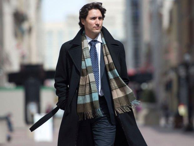 """Style Thủ tướng Canada và Tân tổng thống Pháp ai """"đỉnh"""" hơn? - 11"""