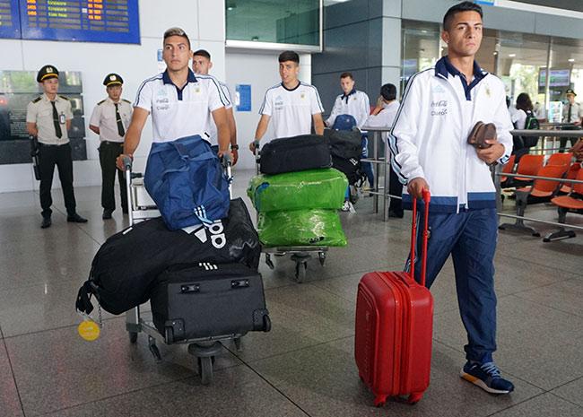 Đến Việt Nam, đàn em Messi sẵn sàng đấu Công Phượng & U20 VN - 1