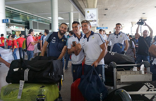 Đến Việt Nam, đàn em Messi sẵn sàng đấu Công Phượng & U20 VN - 5
