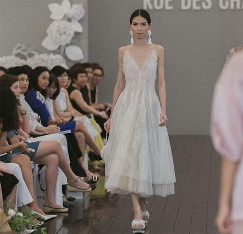 Dàn mẫu Việt quá gợi cảm với váy áo mỏng như sương - 3