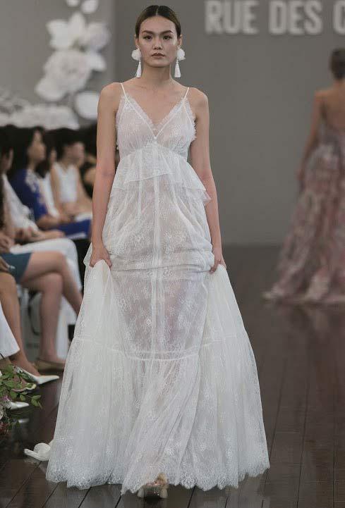 Dàn mẫu Việt quá gợi cảm với váy áo mỏng như sương - 2