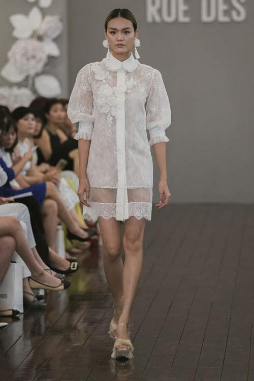 Dàn mẫu Việt quá gợi cảm với váy áo mỏng như sương - 4