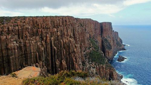 Giả mã những trụ đá kỳ lạ dọc bờ biển Australia - 1