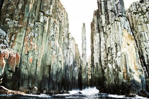 Giả mã những trụ đá kỳ lạ dọc bờ biển Australia - 4