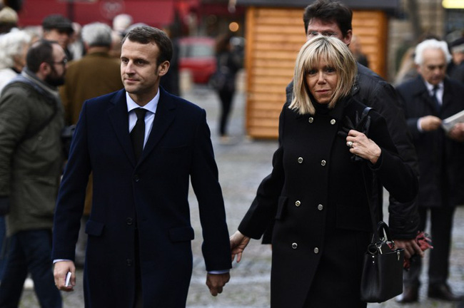Người vợ 64 tuổi giúp Tổng thống trẻ nhất Pháp đắc cử? - 3