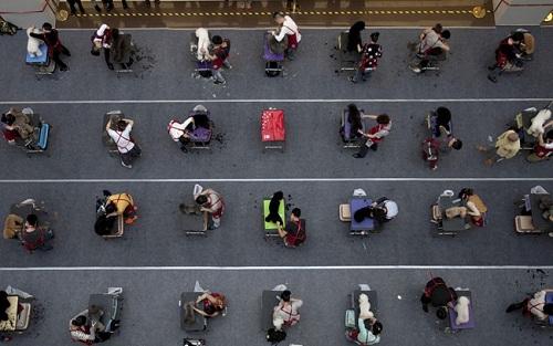 15 bức ảnh lột tả chân thực nhất về các kỳ thi trên thế giới - 10
