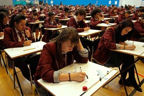 15 bức ảnh lột tả chân thực nhất về các kỳ thi trên thế giới - 12
