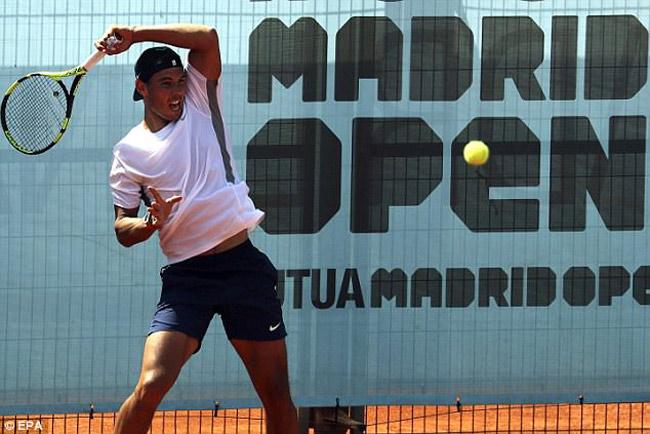 Madrid Open: Nadal bất ngờ mắc bệnh lạ, quyết không rút lui - 1