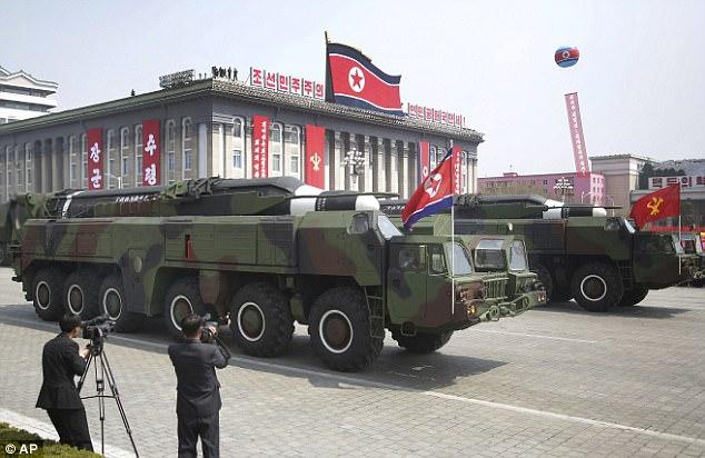 """Chê Kim Jong-un, Nghị sĩ Mỹ hứng """"bão"""" từ Triều Tiên - 2"""