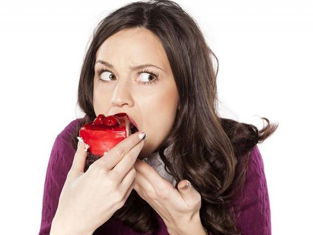 17 thói quen tệ hại gây béo phì, ung thư và hàng tá bệnh nguy hiểm