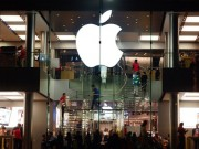 Công nghệ thông tin - Apple phải làm gì để đạt giá trị vốn hóa kỷ lục 1.000 tỉ USD?
