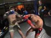 """Thể thao - MMA: Ảo tưởng """"chân sắt"""", phang ống bị gãy làm đôi"""