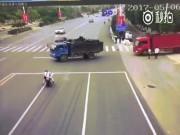 Phi thường - kỳ quặc - Cái kết bất ngờ của người đâm sầm vào xe tải, gây nổ lớn