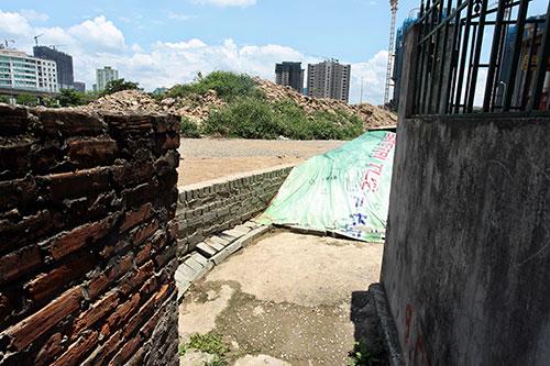 """Nhà dân giữa Thủ đô thành """"hầm"""" vì dự án đường sắt trên cao - 2"""