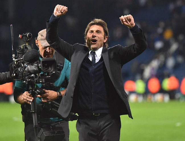 MU-Mourinho sắp ăn 3, bùng nổ hơn Chelsea-Conte vô địch - 1