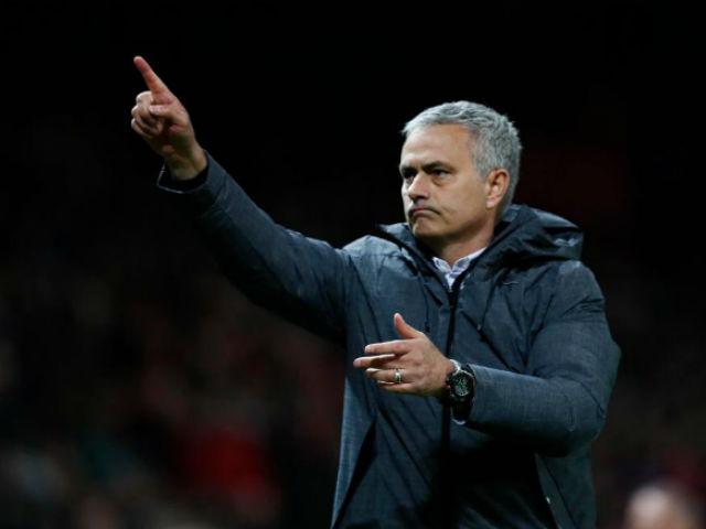 MU-Mourinho sắp ăn 3, bùng nổ hơn Chelsea-Conte vô địch