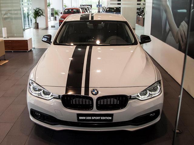 BMW 320i 'thể thao' giá 1,667 tỷ đồng ở Việt Nam - 1